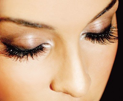 Classic Set Of Eyelash Extensions Only $95